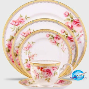 pembe-gül-desenli-şık-porselen-yemek-takımı-stilleri